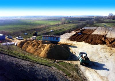 строительство причала ро-ро. строительные работы. строительство дороги